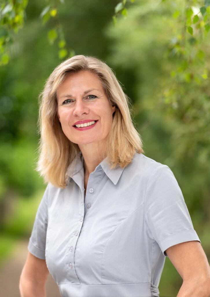 Mitglieder sind sich einig: 100% für          Birgit Dieckhoff-Hübinger